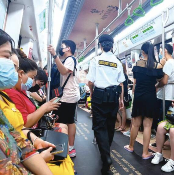 """南宁地铁推行""""静音令""""效果如何?市民:耳边清净多了"""